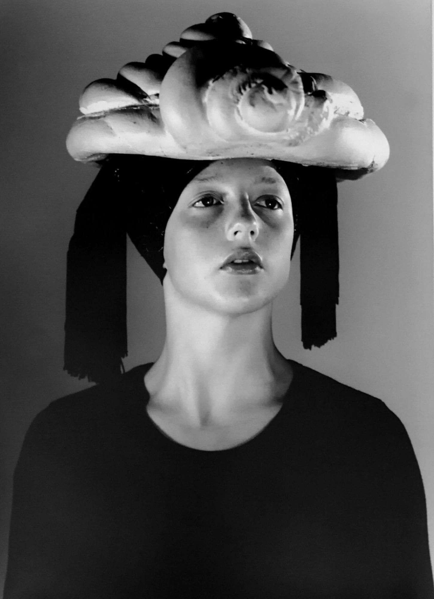 Eva Lootz, Little theatre of drifting detours I won, I won, she says and whistles 3 times, 1994