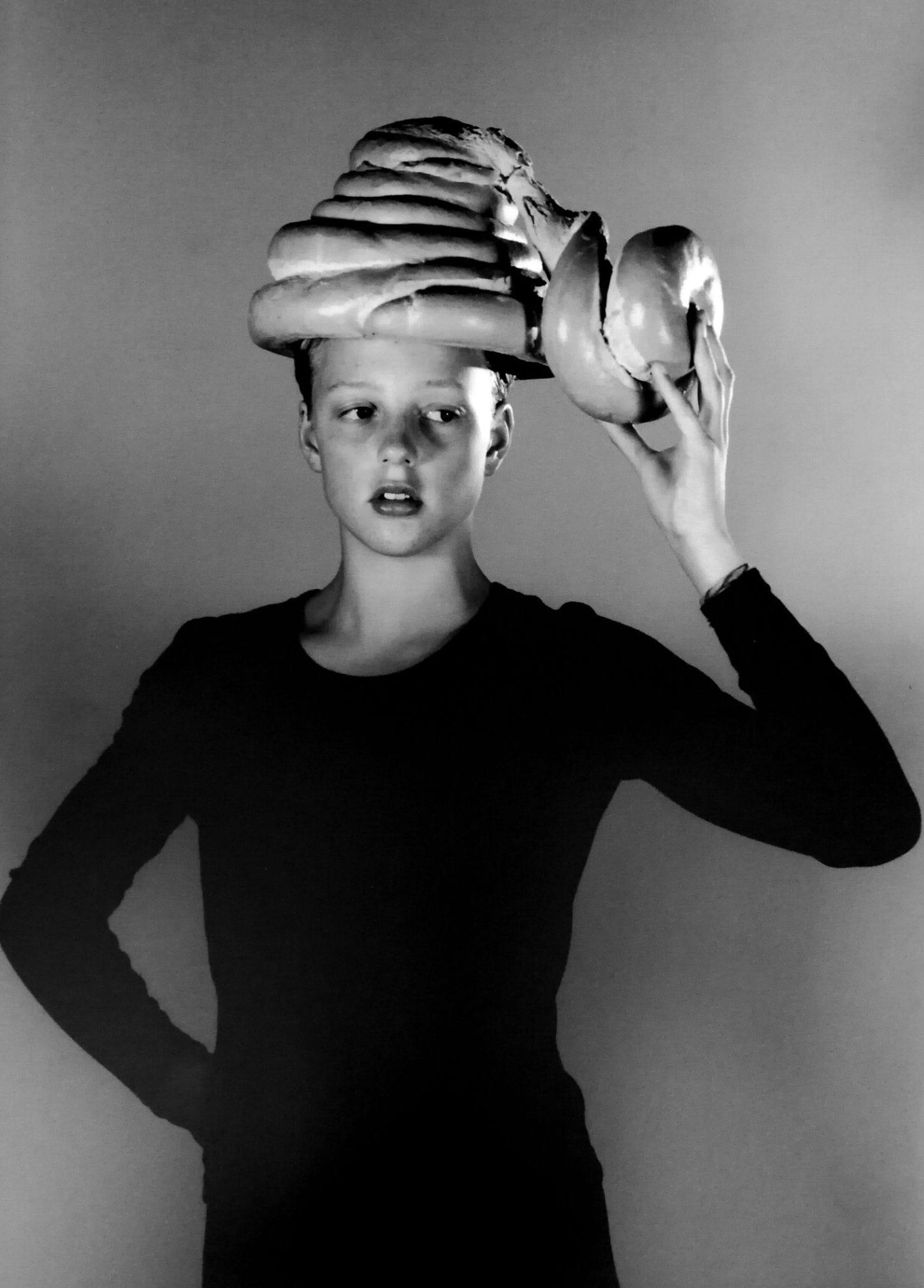 Eva Lootz, Pequeño teatro de derivas. Her skill to learn, 1994