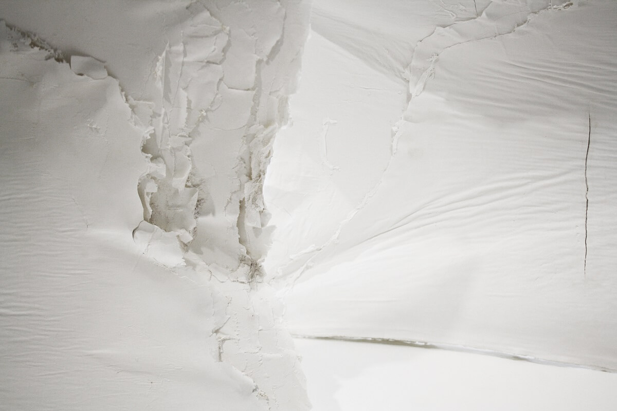 Stella Rahola Matutes, Porcelain Walls, 2012